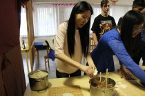 05/04/2017 Cooking lesson at he Szemere Bertalan Vocational School (4)
